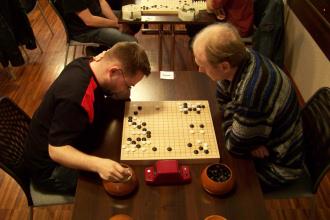 Zacięta walka na pierwszym stoliku